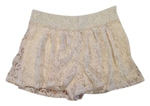 Just Ginger Mini/Short Shorts Ivory