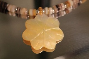 Seashell Necklace with Mother of Pearl pendant