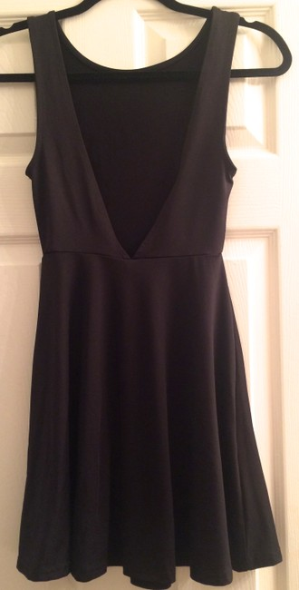 Divided by H&M Fit & Flare A-line V- V Shaped V Cutout Sleeveless Dress