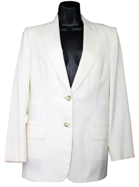 Preload https://item3.tradesy.com/images/burberry-goldtone-crested-buttons-extra-fine-wool-blazer-size-8-m-3357187-0-0.jpg?width=400&height=650