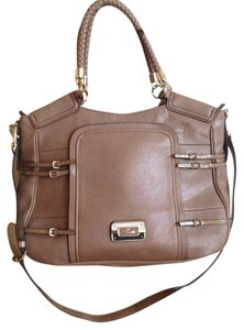 Guess Lining Patent Leather Shoulder Bag