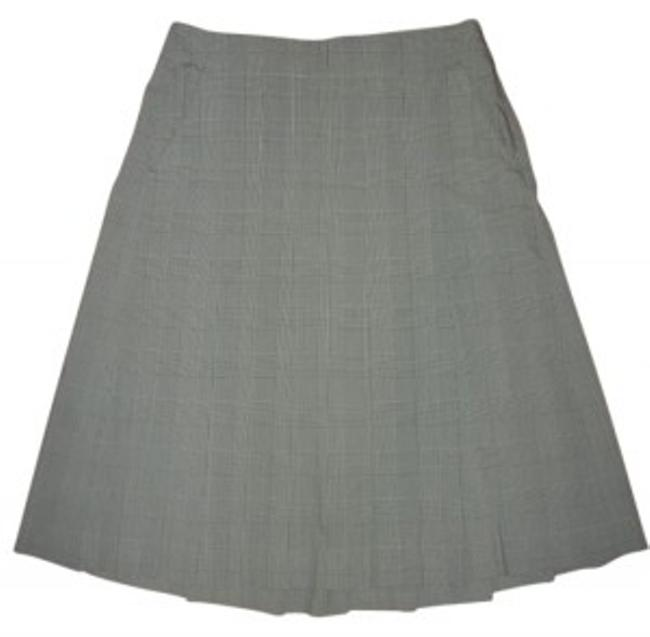 Preload https://item3.tradesy.com/images/theory-black-grey-plaid-pleated-a-line-knee-length-skirt-size-00-xxs-24-33597-0-0.jpg?width=400&height=650