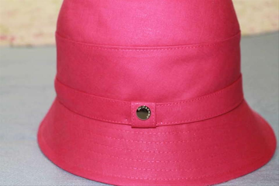 Burberry Deep Pink Ladies Rain Never Worn. In Pristine Condition Hat ... 1c088baae54b