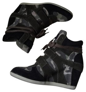 Ash Black/Camo Wedges