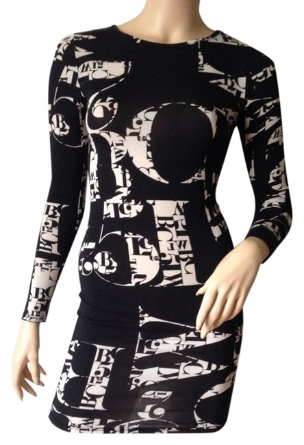 Preload https://img-static.tradesy.com/item/3362194/topshop-black-and-white-graphic-mini-night-out-dress-size-2-xs-0-0-650-650.jpg