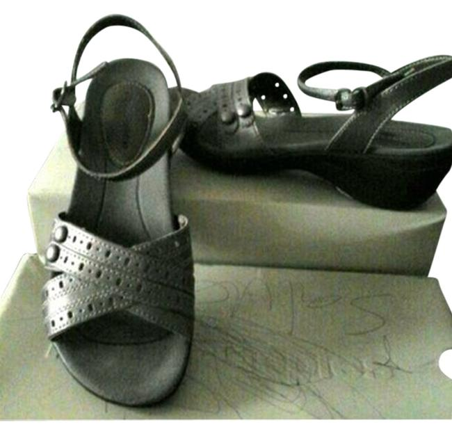 Hush Puppies Pewter Leather Comfy Sandals Size US 7 Regular (M, B) Hush Puppies Pewter Leather Comfy Sandals Size US 7 Regular (M, B) Image 1