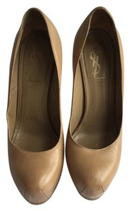 Saint Laurent Ysl Yves Nude, Tan Pumps