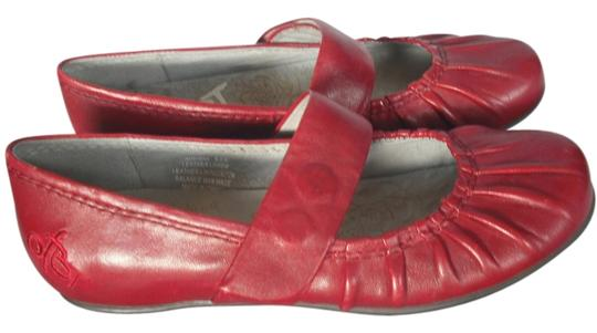 Preload https://item5.tradesy.com/images/otbt-new-without-box-otbt-auroa-mary-jane-flats-3364609-0-0.jpg?width=440&height=440