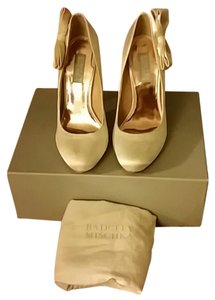 Badgley Mischka Bride Pumps
