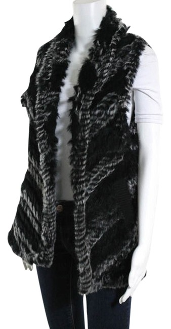 Preload https://item1.tradesy.com/images/marc-by-marc-jacobs-black-and-white-fur-vest-size-os-one-size-3370525-0-0.jpg?width=400&height=650