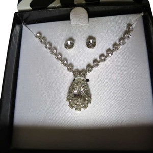 New Faux Diamond Jewelry Set