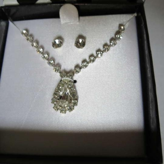 Other New Faux Diamond Jewelry Set