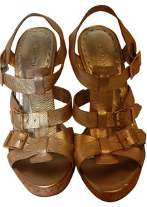 Gianni Bini Sandals Gold Platforms