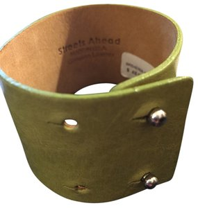 Streets Ahead Streets Ahead Luxurious Italian Leather Solid Cuff Bracelet