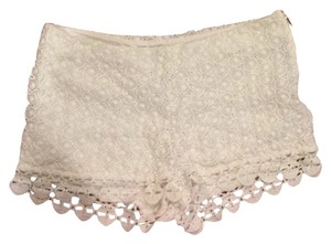 Black Swan Shorts Cream White