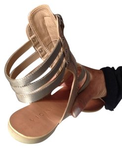 Vicini Beige leather And silver ankle Flats