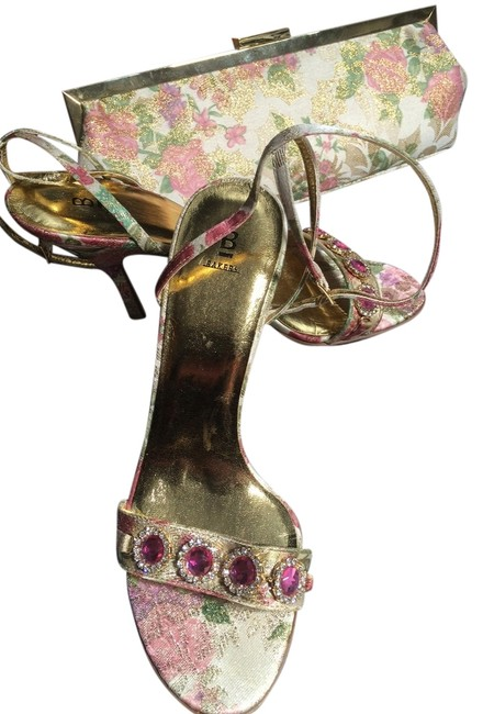 Item - Shoes and Evening Bag Floral Pattern Of Rose and Green Beige Gold Matching Purse Pumps Size US 9 Regular (M, B)