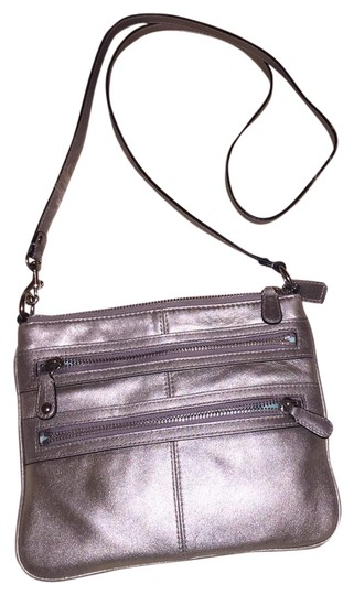 Preload https://item2.tradesy.com/images/coach-bonnie-silver-leather-cross-body-bag-3378316-0-4.jpg?width=440&height=440