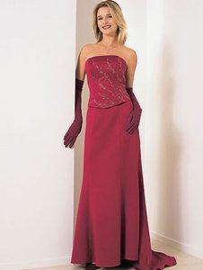 Alfred Angelo Claret Satin Style Number 6905 Formal Bridesmaid/Mob Dress Size 10 (M)
