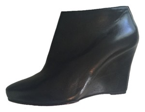 Christian Louboutin Designer Leather Wedge Bootie black Boots