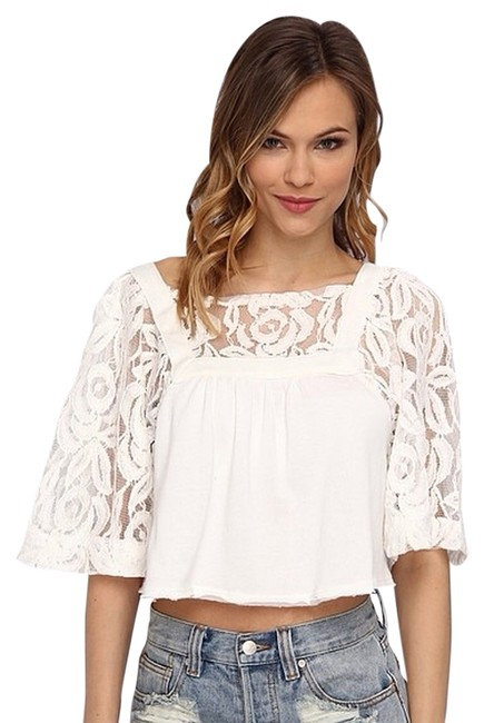 Preload https://item2.tradesy.com/images/free-people-blouse-size-2-xs-3381121-0-0.jpg?width=400&height=650