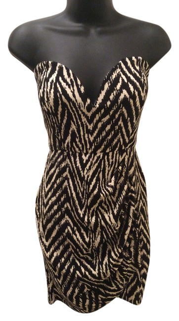 Preload https://item2.tradesy.com/images/white-with-black-stripes-above-knee-night-out-dress-size-12-l-3382621-0-0.jpg?width=400&height=650