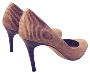 Ann Taylor Honey Pumps