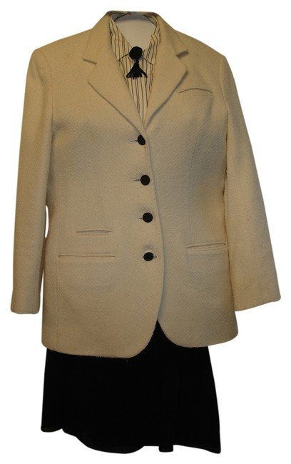 Preload https://img-static.tradesy.com/item/3383683/valerie-stevens-cream-and-black-jacket-liz-claiborne-silk-blouse-skirt-suit-size-petite-4-s-0-0-650-650.jpg