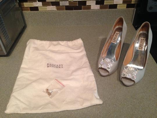 Badgley Mischka Light Gray Rhinestone Peeptoe Gayla Silk Formal Size US 6.5