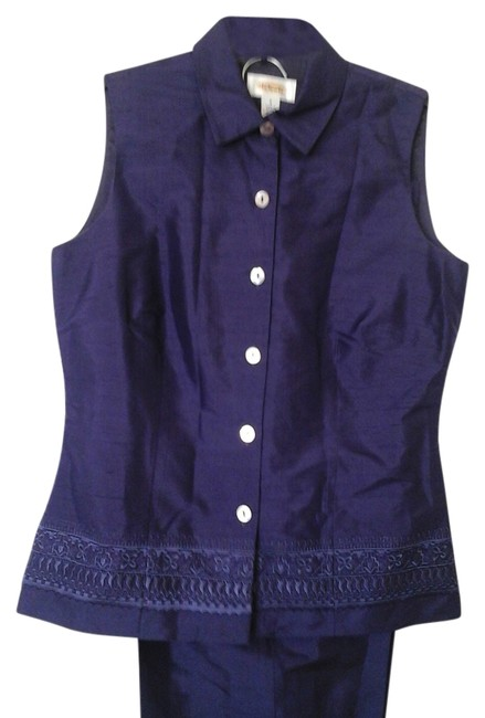 Preload https://item4.tradesy.com/images/talbots-purple-no-pant-suit-size-6-s-3383743-0-2.jpg?width=400&height=650