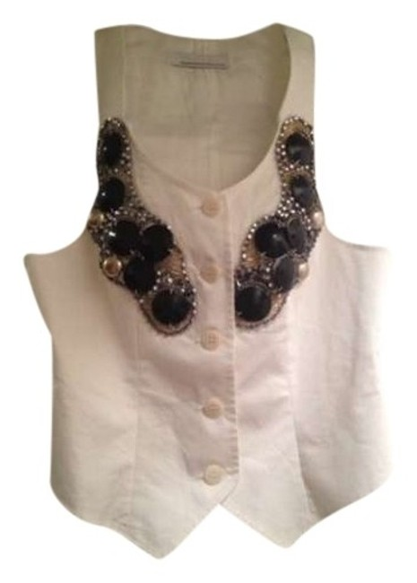 Preload https://item4.tradesy.com/images/white-new-wo-tags-campagnia-italiana-embellished-vest-size-6-s-338418-0-0.jpg?width=400&height=650