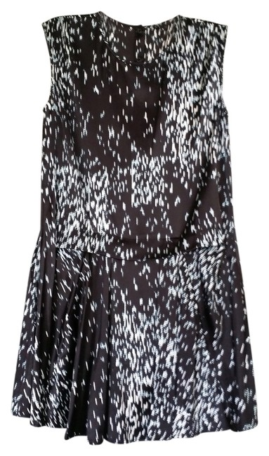 Preload https://item1.tradesy.com/images/theory-mid-length-workoffice-dress-size-0-xs-3385075-0-0.jpg?width=400&height=650