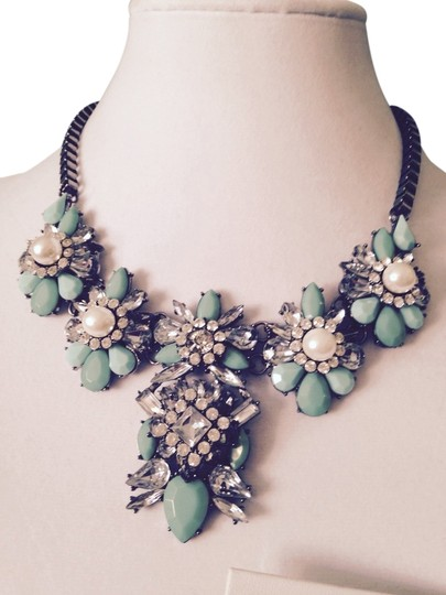 Preload https://item4.tradesy.com/images/greenclear-2-piece-set-faceted-mint-and-crystal-wpearls-statement-necklace-and-earrings-3386593-0-0.jpg?width=440&height=440