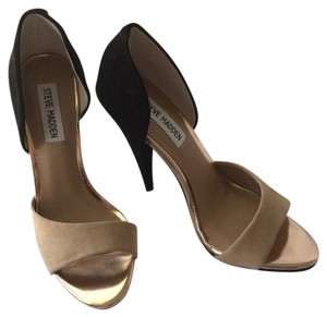 Steve Madden Black And Neutral Pumps