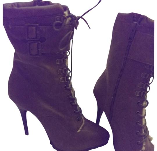 Preload https://item2.tradesy.com/images/aldo-brown-this-pair-is-such-a-steal-its-so-new-and-stylish-bootsbooties-size-us-8-regular-m-b-3393901-0-0.jpg?width=440&height=440