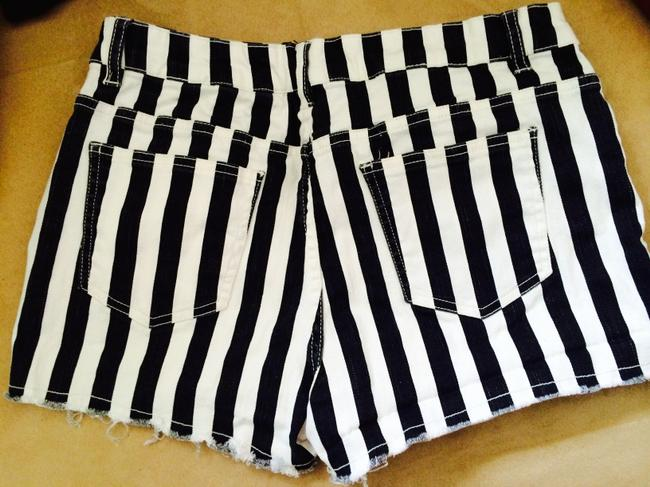 Forever 21 Cut Off Shorts Black/Cream