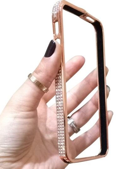 Preload https://item4.tradesy.com/images/rose-gold-iphone-5-cover-tech-accessory-3396043-0-0.jpg?width=440&height=440