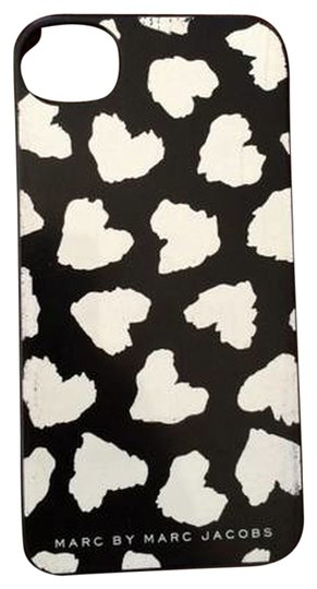 Preload https://item3.tradesy.com/images/marc-by-marc-jacobs-black-and-white-iphone-4-case-tech-accessory-3397417-0-0.jpg?width=440&height=440