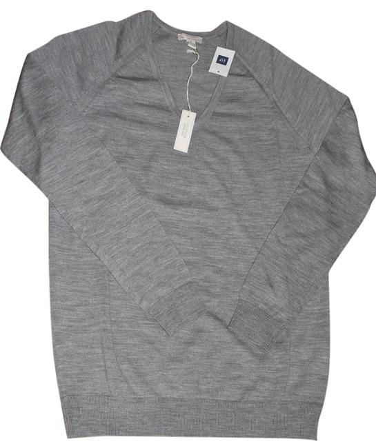 Gap Classic V-neck Merino Sweater
