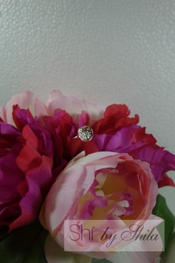 Other Beautiful Cubic Hammered Ring with Swarovski Crystal in the middle