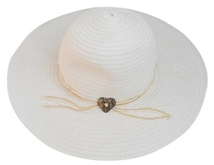 Wide brimmed off white summer hat by the Hatter Company
