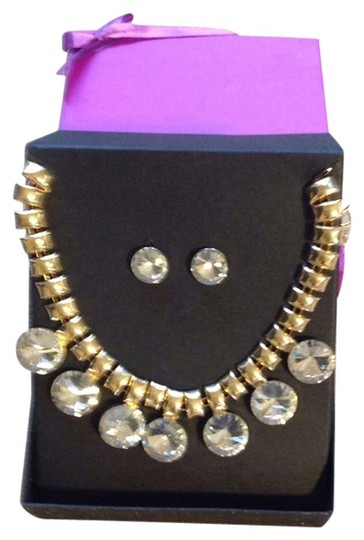 Preload https://img-static.tradesy.com/item/3401182/nordstrom-gold-tone-with-crystal-like-stones-fashion-statement-necklace-0-0-540-540.jpg