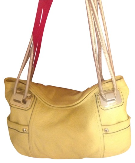 Preload https://img-static.tradesy.com/item/3403033/b-makowsky-yellowgold-leather-shoulder-bag-0-0-540-540.jpg