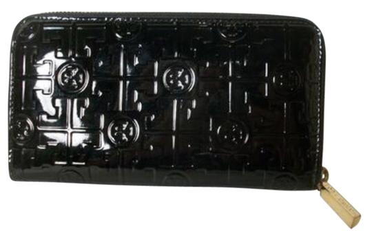 Preload https://item3.tradesy.com/images/tory-burch-black-patent-leather-wallet-3403597-0-0.jpg?width=440&height=440
