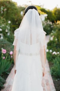 Two Tiered Scalloped Ivory Veil