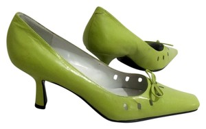 Bandolino Kitten Heel Cutout Square Toe Green Pumps