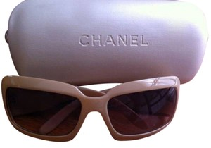 Chanel CHANEL Mother of Pearl Sunglasses 5076-H Beige.