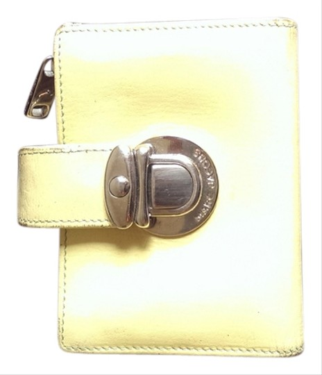 Preload https://item2.tradesy.com/images/marc-jacobs-yellow-leather-wallet-3407461-0-0.jpg?width=440&height=440