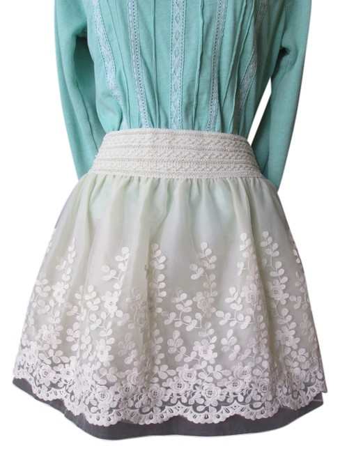 Preload https://img-static.tradesy.com/item/3408931/ivory-embroidery-skater-w-double-lining-miniskirt-size-os-one-size-0-0-650-650.jpg