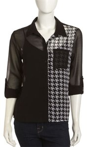 Romeo & Juliet Couture Houndstooth-print Semi-sheer Chiffon Flowy Fit Hi-lo Hem 3/4 Tab Sleeve Top Black & White